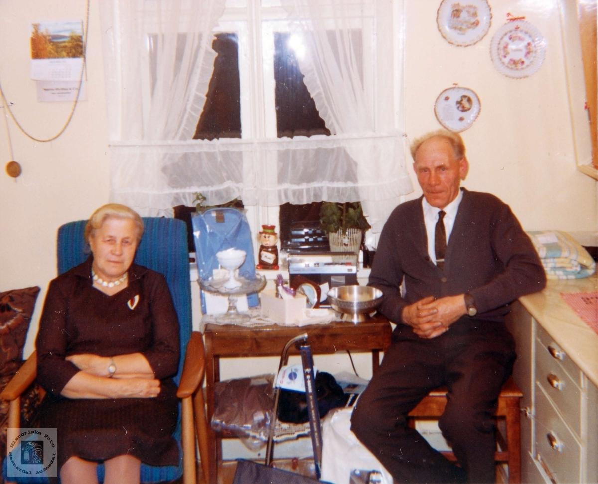 Samuel Mydland feirer 60 årsdagen med gaver. Iveland Audnedal.