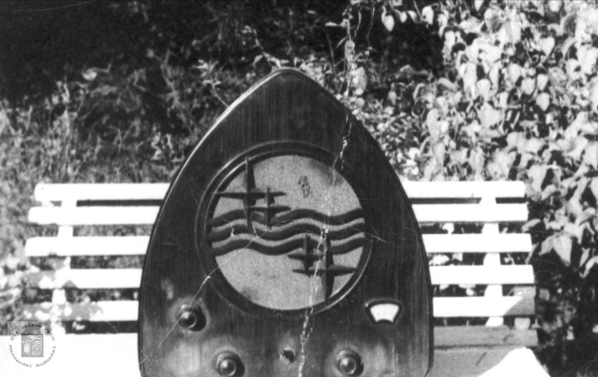Radio fra før krigen. Bjelland.