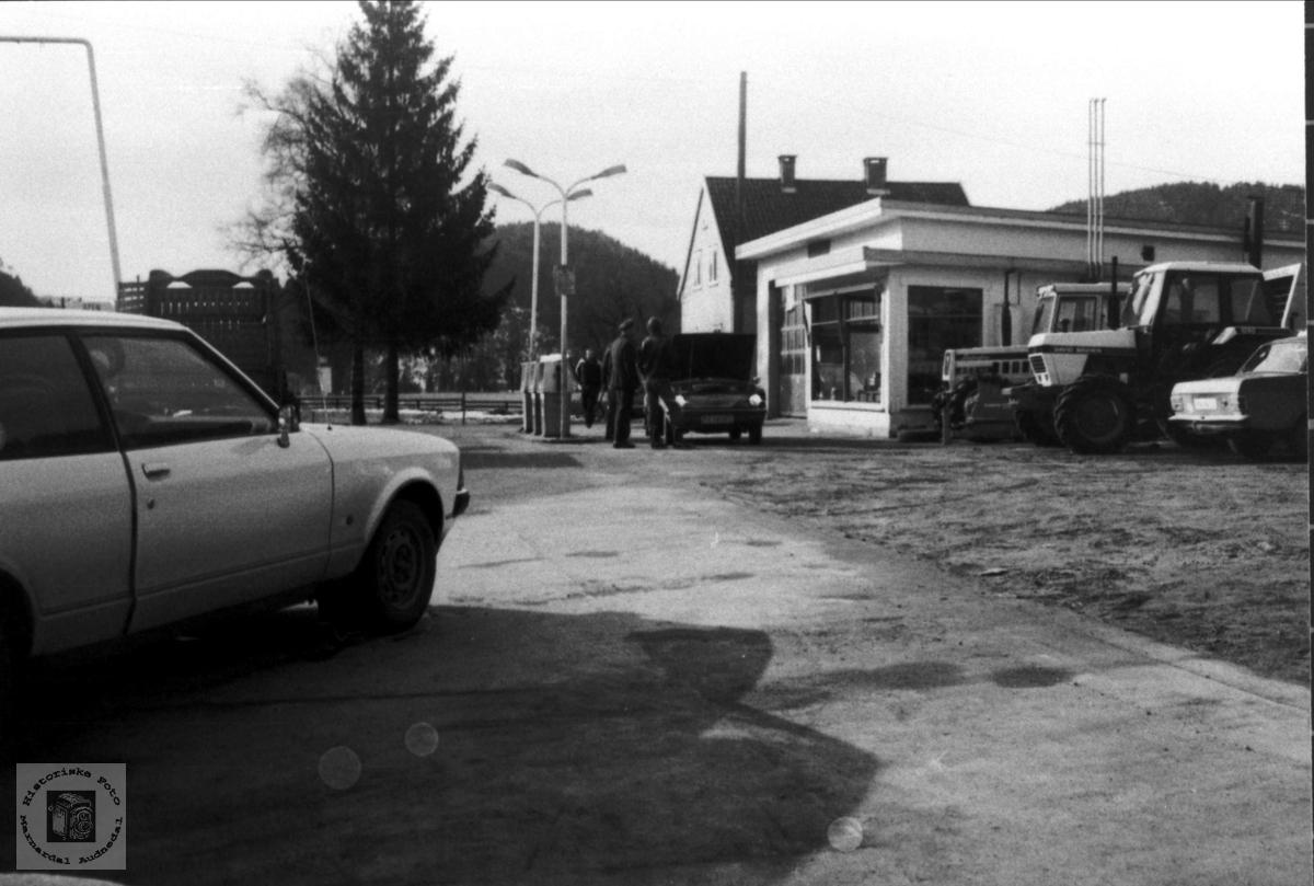Bensinstasjon på Bjelland.