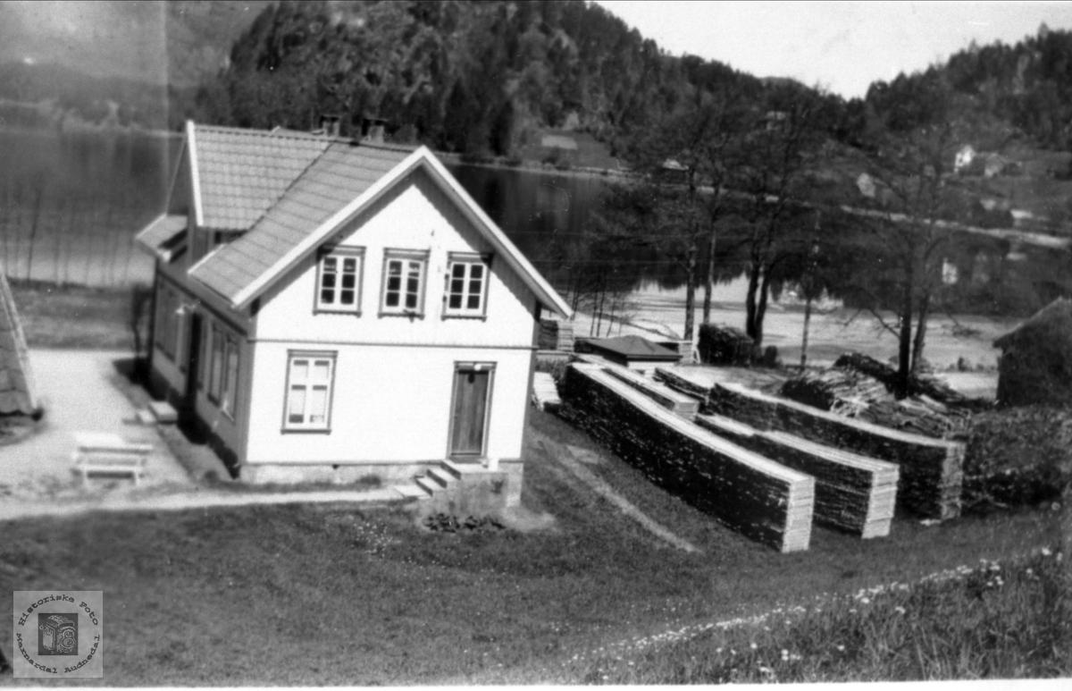 Støa Ytre Ågedal med stavlag, Bjelland.