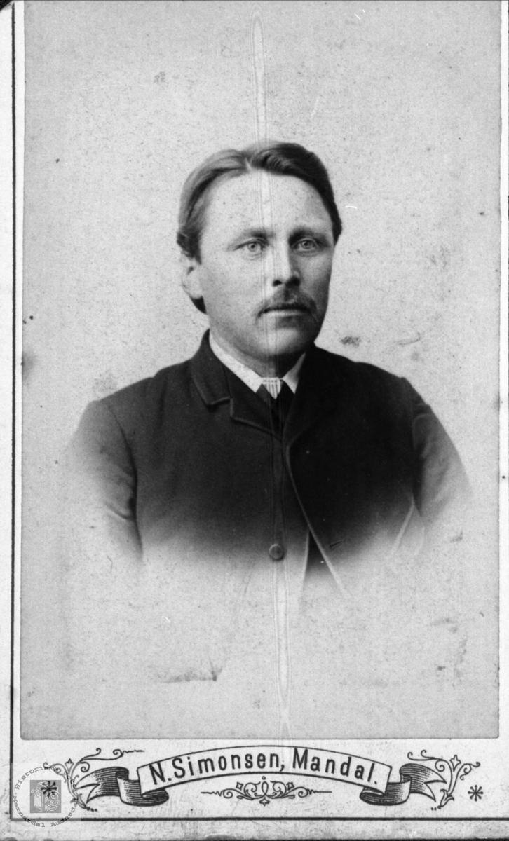 Portrett av Ola Peersen Manneråk, Øyslebø.