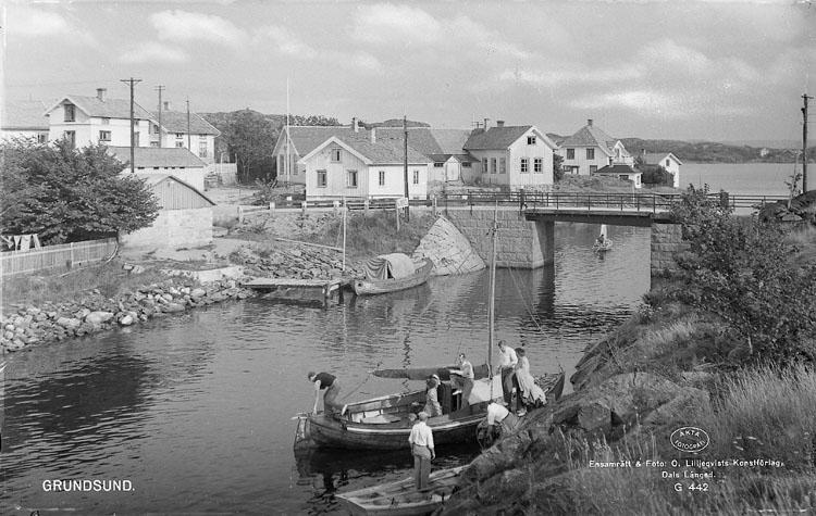"""Enligt AB Flygtrafik Bengtsfors: """"Grundsund mot bron Bohuslän""""."""
