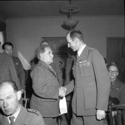 """Enligt notering: """"Hemvärnet (Gästis) 25/4 1947""""."""