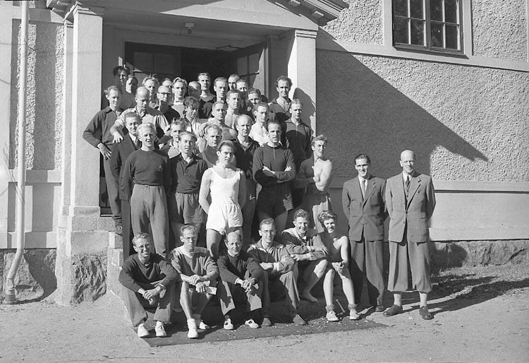 """Enligt notering: """"Gymnastikledarkurs 5/10 1947""""."""
