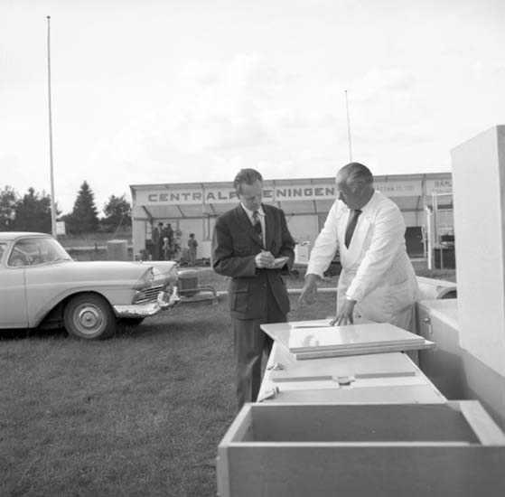 """""""Grunnebo expo förberedelser 10 juni 1959"""" enligt fotografens notering"""