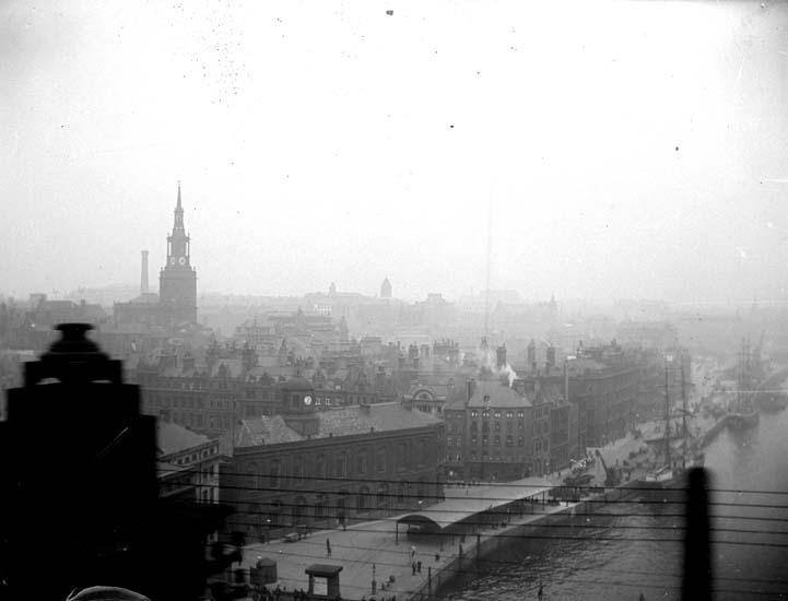 "Enligt text som medföljde bilden: ""England. New Castle on Tyne."" ::"