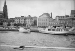 "Enligt fotografens notering: ""M/S Neptun (Grundsund) M/S Stå"