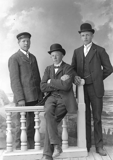 """Enligt fotografens journal nr 2 1909-1915: """"John Johansson, Gässby Spekeröd""""."""