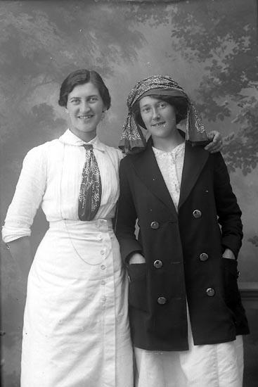 """Enligt fotografens journal Lyckorna 1909-1918: """"Börjesson Fr. Vanshem Ljungskile""""."""