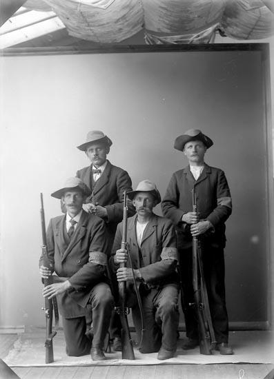 """Enligt fotografens journal nr 2 1909-1915: """"Rutgersson, Kornelius St. Askerön Landstorm""""."""