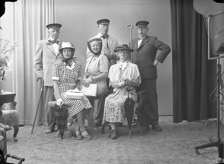 """Enligt fotografens journal nr 7 1944-1950: """"Wigner, Distriktslantmätare E., Ljungby""""."""