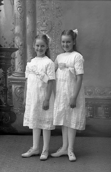 """Enligt fotografens journal Lyckorna 1909-1918: """"Åqvist, Ingeniör Lyckorna""""."""
