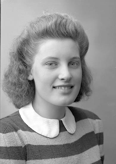 "Enligt fotografens journal nr 6 1930-1943: ""Andersson, Asta Gåre Spekeröd""."