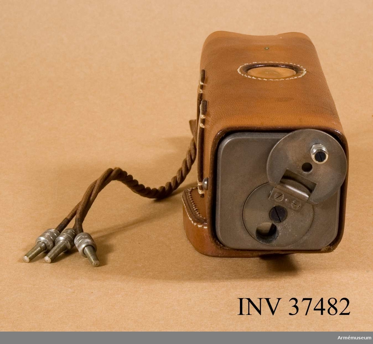 Samhörande nr 37482-3, induktor, väska. Grupp H I.