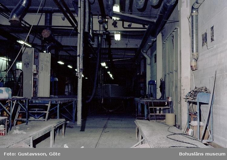 """Motivbeskrivning: """"Gullmarsvarvet, Lysekil. (fotograf: Göte Gustavsson)."""" """"Bild från A-hallen."""" Datum: 1980-10-30."""