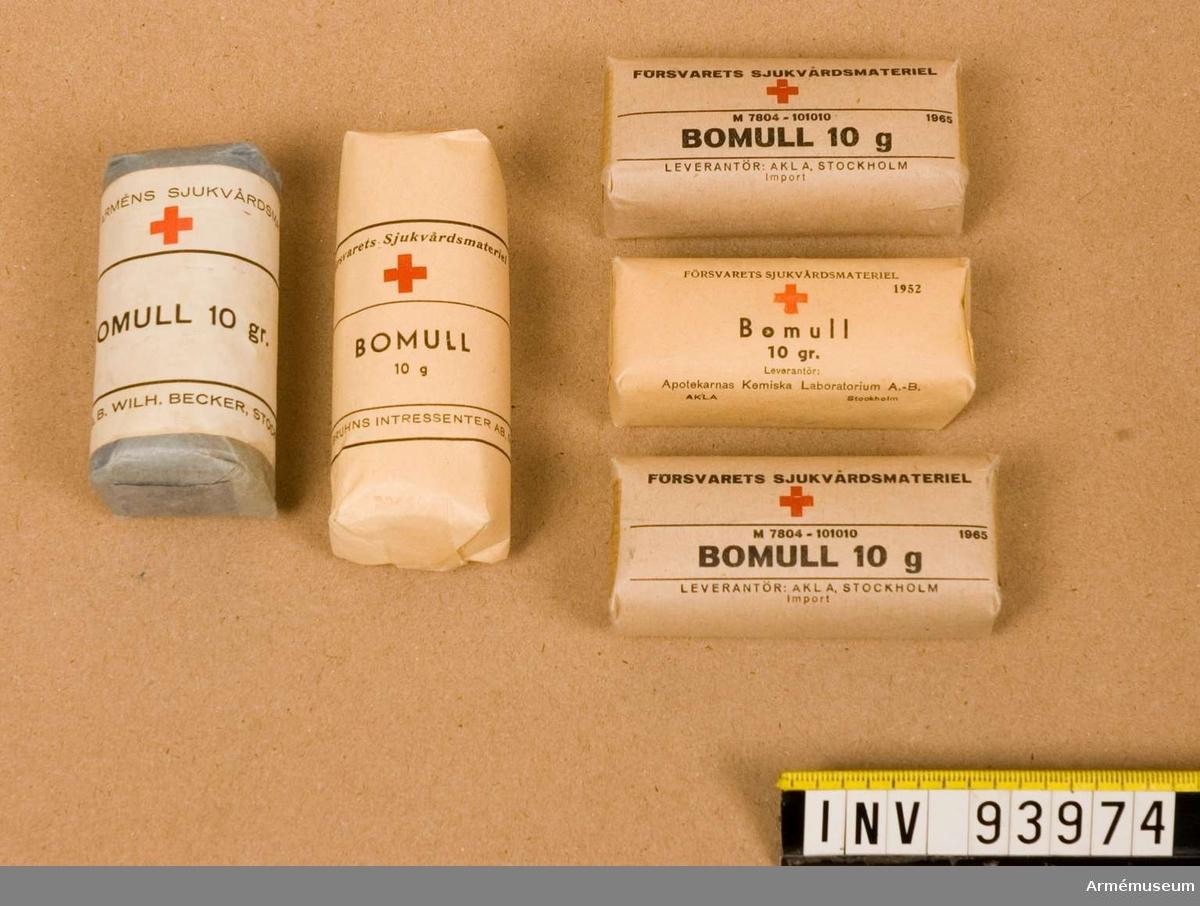 Fem stycken olika förpackningar med bomull á 10 gram styck.