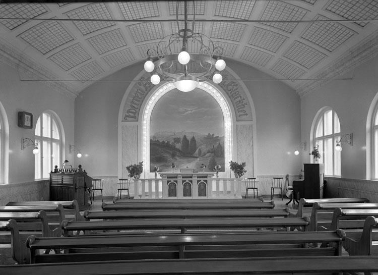 """Uppgift enligt fotografen: """"Uddevalla. Interiör Emanuels kyrka. Lilla Norrgatan."""""""