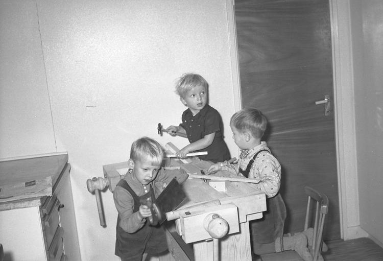 """Text till bilden: """"Barndaghemmet. 1949.11.16""""             i"""