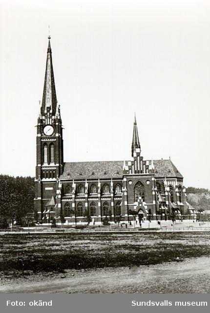 Sundsvalls kyrka (senare Gustav Adolfs-kyrkan). Kyrkan invigdes 1894, ritad av Gustaf Hermansson.