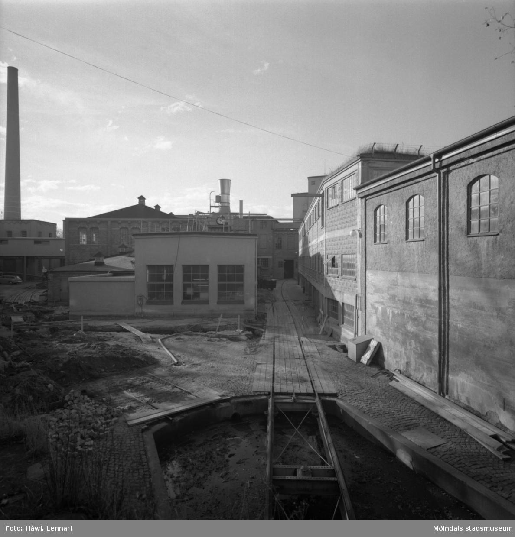 Byggnad nr 19 och 2 på Papyrus i Mölndal, 9/11 1962. Tillbyggnad 1962.
