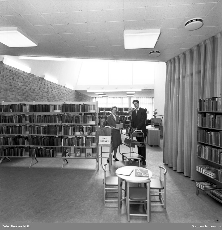 Interiör från det nya moderna biblioteket på Skönsmon.