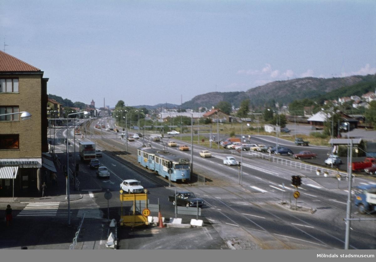 Göteborgsvägen i riktning mot norr. Vy från Mölndals Bro i Mölndal, 1970-tal.