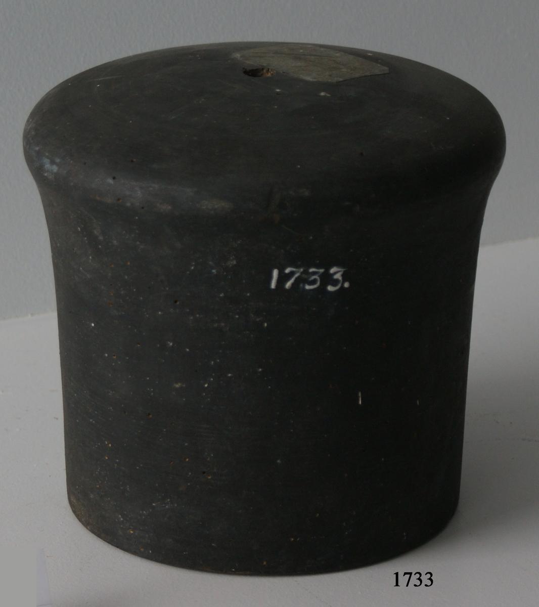 Mynningspropp av trä, till 30-pund bombkanon.