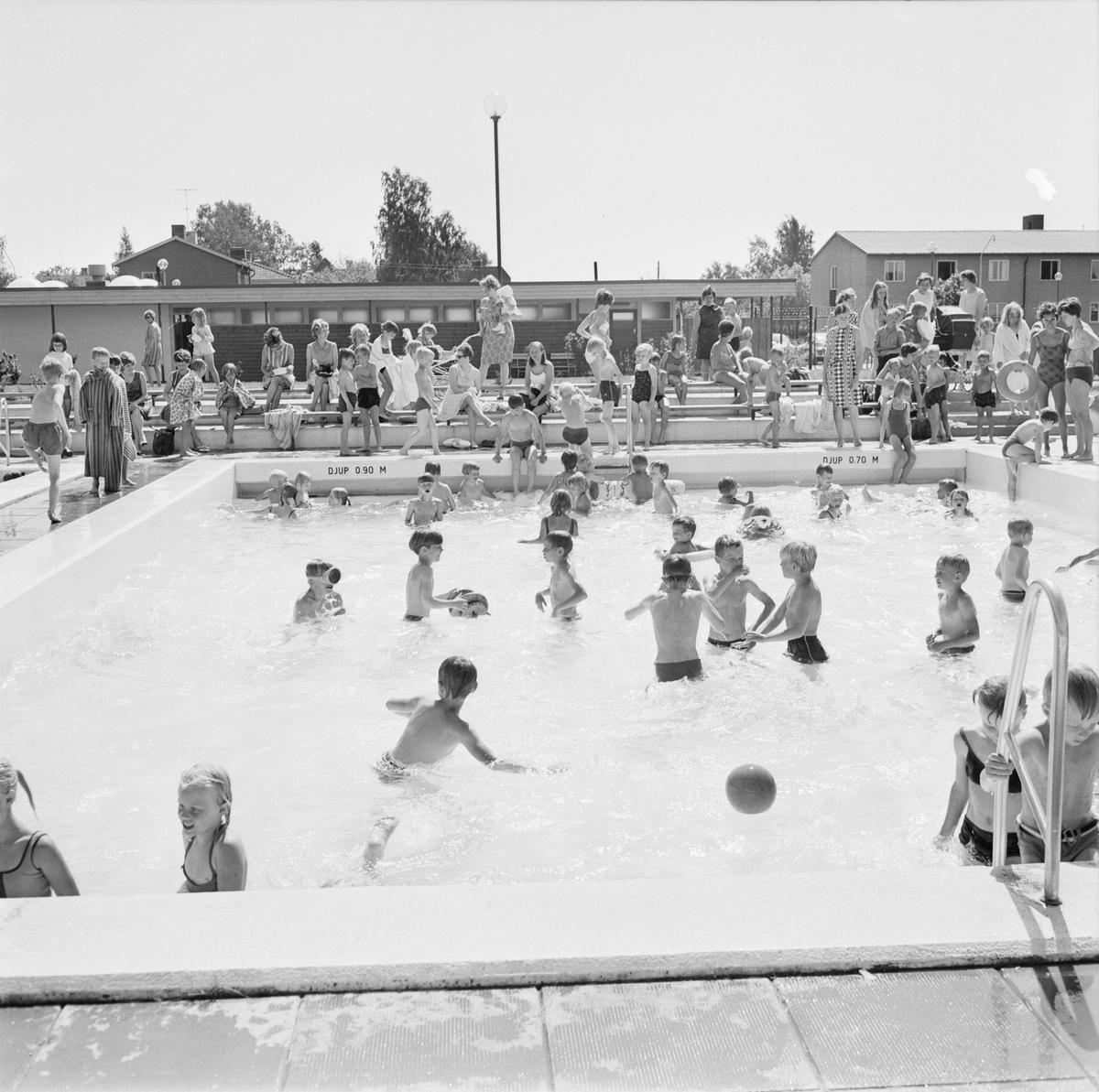 Simskola på Aspenbadet, Tierp, Uppland, juni 1968