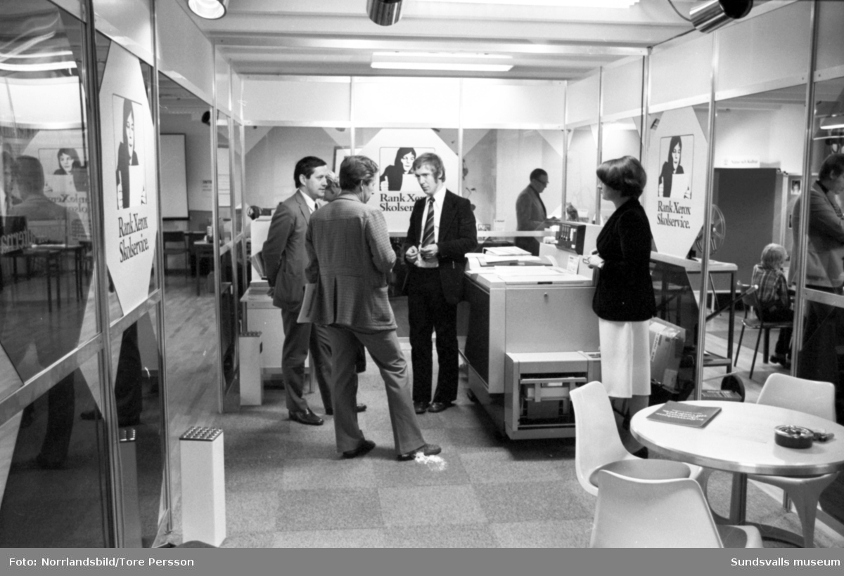 Rank Xerox skolservice. Interiörer från lokalerna på Esplanaden.