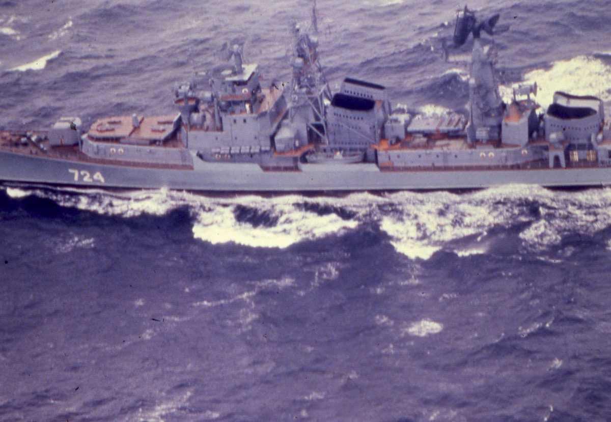 Russisk fartøy av Modifisert Kashin - klassen med nr. 724.