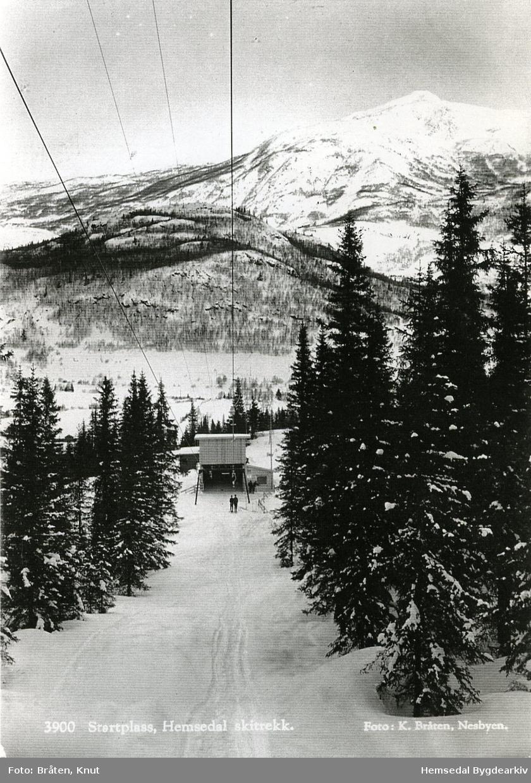 Hemsedal skisenter -dalstasjonen for det fyrste skitrekket/ stolheisen