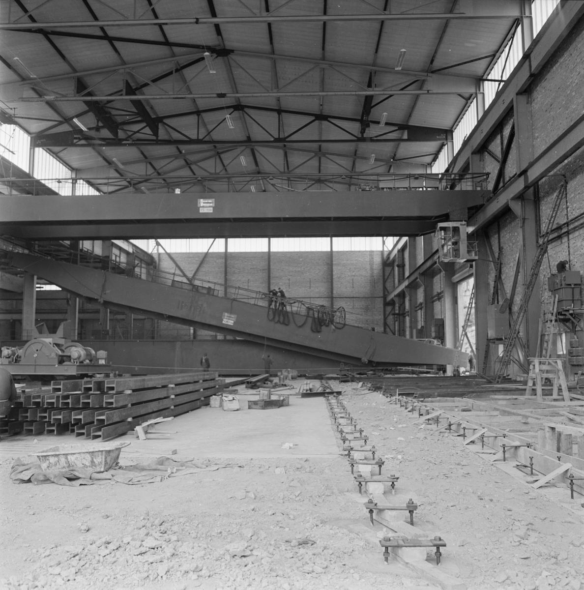 Övrigt: Fotodatum:24/7 1963 Byggnader och Kranar. Nyb. området lyft av 50 tons travers