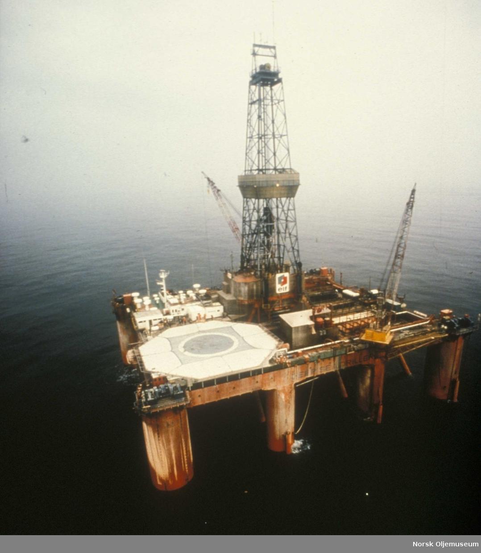 """Boreriggen """"Deep Sea Driller"""" på Friggfeltet 1975 - 1976"""