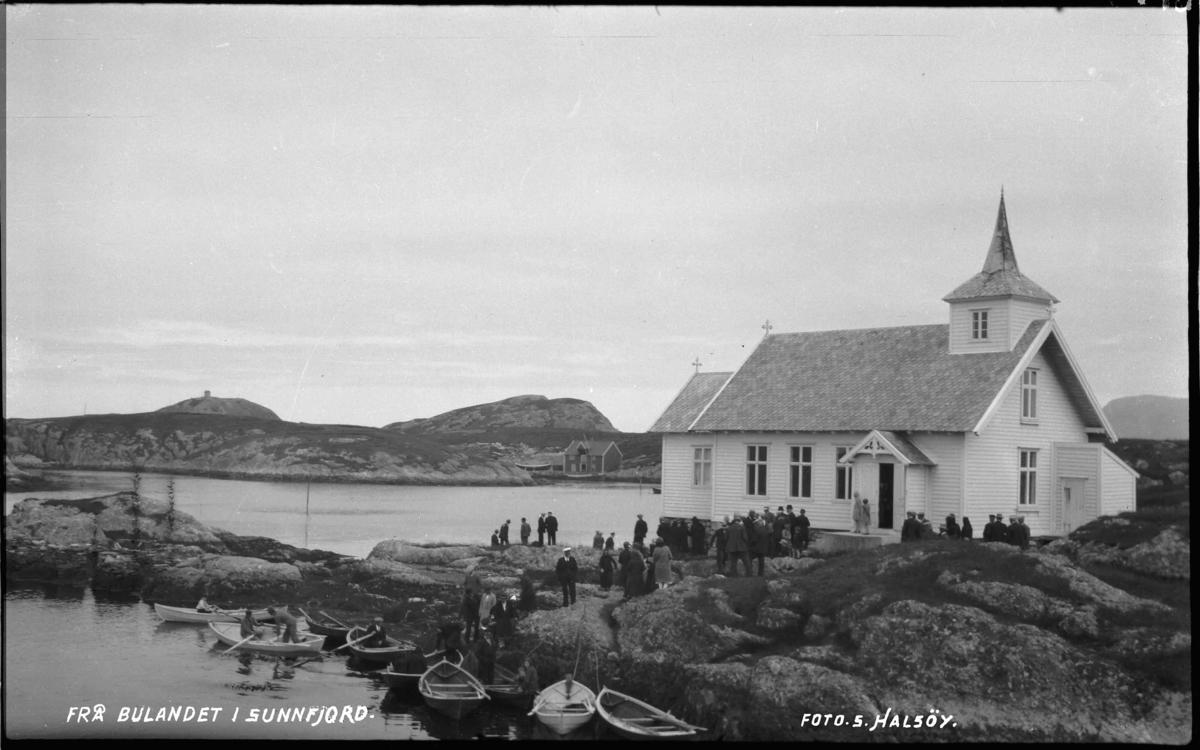 Kyrkjelyd ved bedehuskapellet i Bulandet