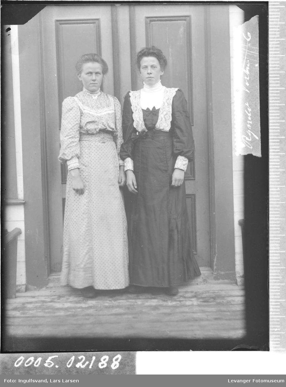 Portrett av to søstre.