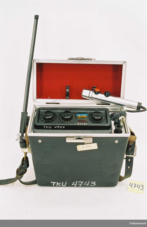 Sonab mobiltelefon. Type:MR-204D Serie nr: 451C 016