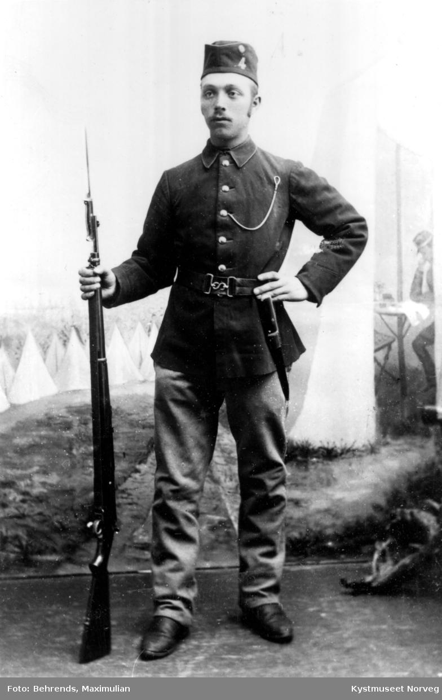 Anton Helmersen Skjærvær i uniform