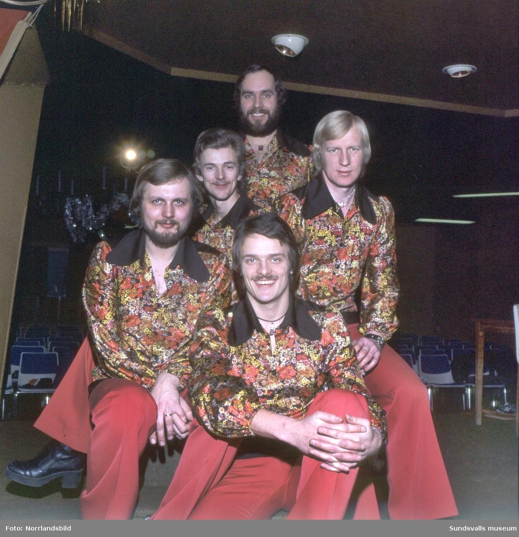 Gruppbilder av dansbandet Lars-Oves.