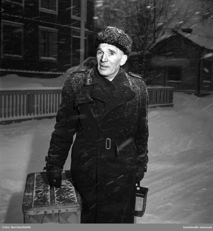 Lotsen Berglund på en snöig gata.
