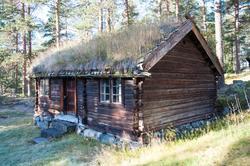 Stugu sto først i Teigen så i Åkreslåtta deretter i Meiebakk