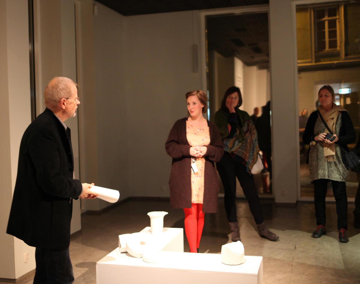 Artist's talk mellom kunstner Jens Erland og kurator. Foto: NKIM (Foto/Photo)