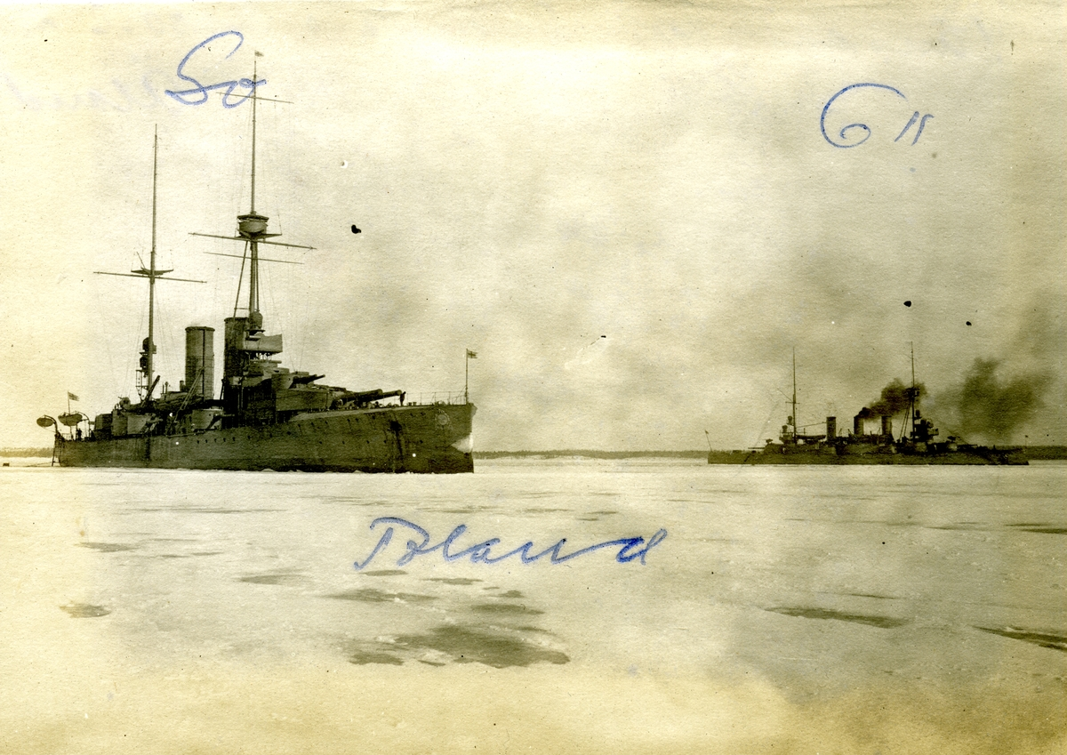 Fartyget Oscar II på Åland 1917-18+ fartyget Sverige närmast i bild.