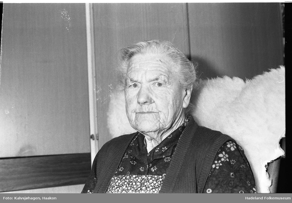 Marta Lillemoen på 90-års dagen, f. 1897