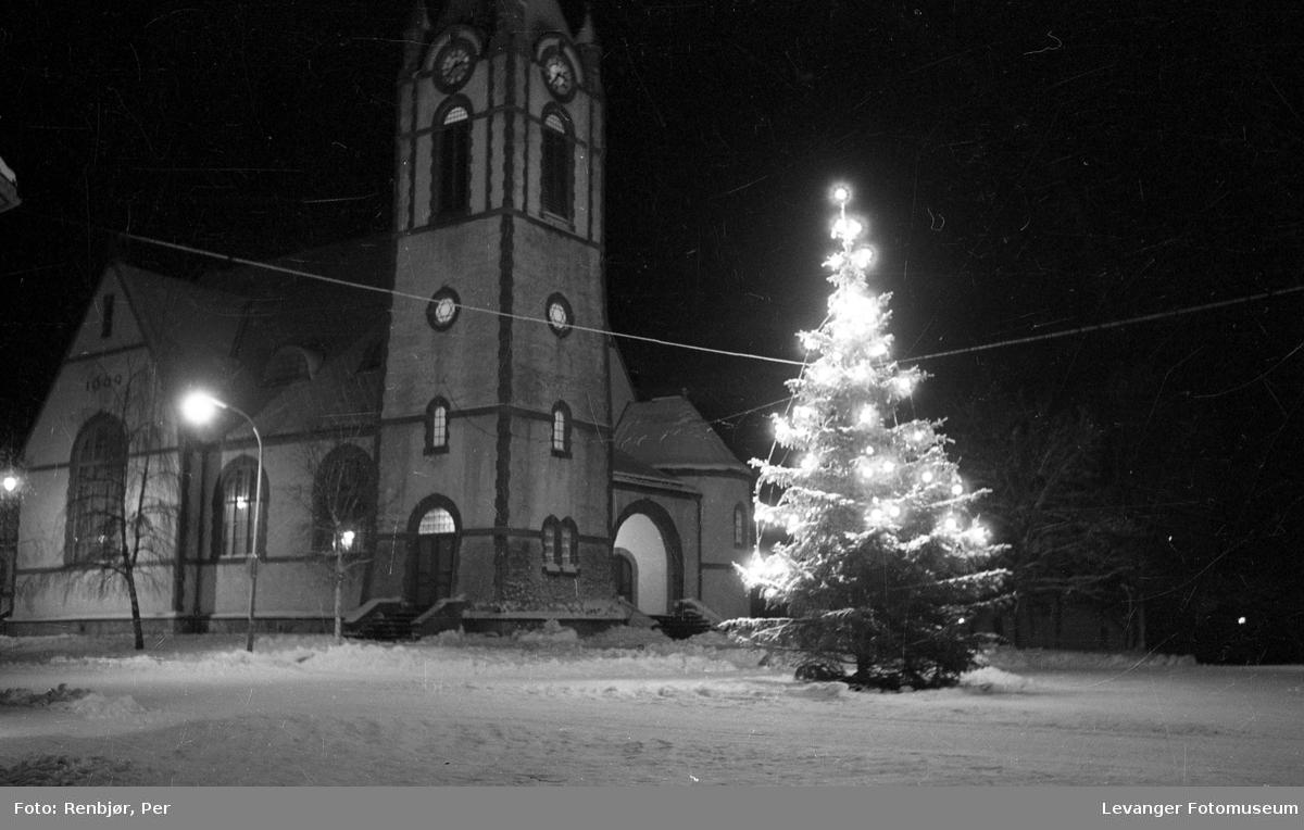 Juledekorasjoner i Levanger.