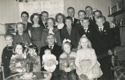 Bak frå venstre Sigurd Erga, Olav Skårland, Marta Skårland,