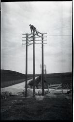 """Bilete av stolpane ved """"1900"""" krysset"""