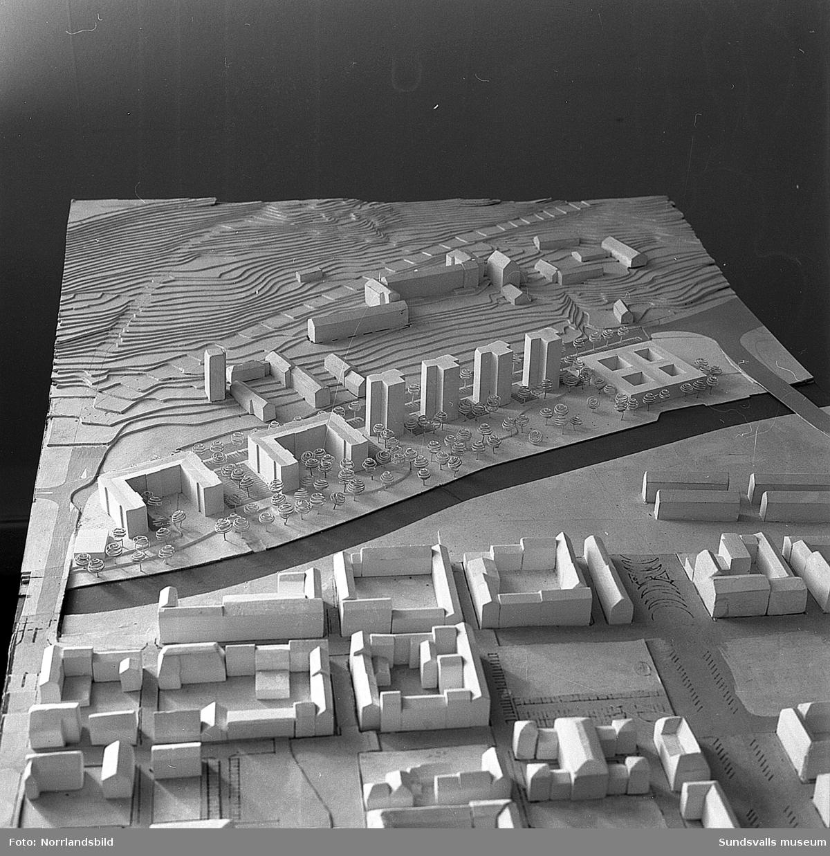 Modell av planerna för det nya Norrmalm 1959. Det enda som blev verklighet var SCA-huset, vilket redan var påbörjat och invigdes 1960.