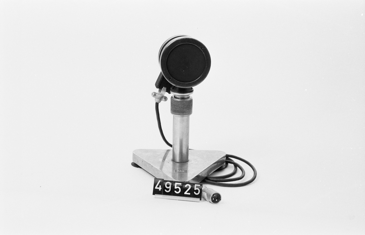 """Mikrofon med utdragbart stativ. Märkt: """"GRX"""""""