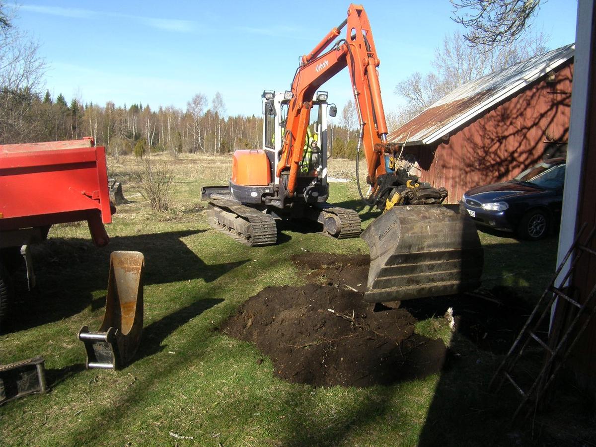 Arkeologisk förundersökning, schaktning, Sikhjälma, Hållnäs socken, Uppland 2014