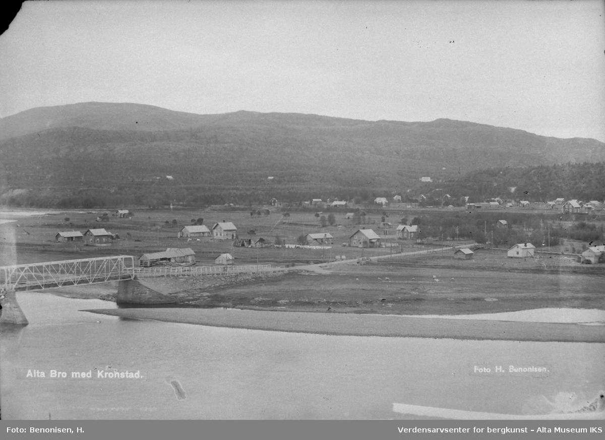Oversiktsbilde over Kronstad og Alta Bro. Bildet er fra før 1940.